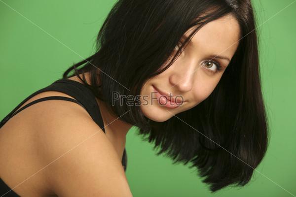Портрет девушки с красивыми волосами