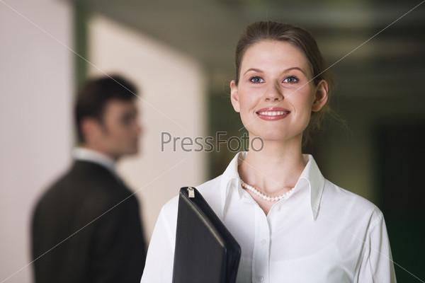 Устремленная бизнес леди