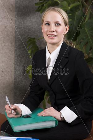Портрет молодой бизнес леди