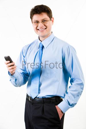 Фотография на тему Уверенный бизнесмен с телефоном в руке