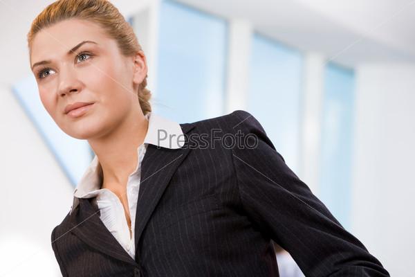 Крупный план деловой успешной женщины