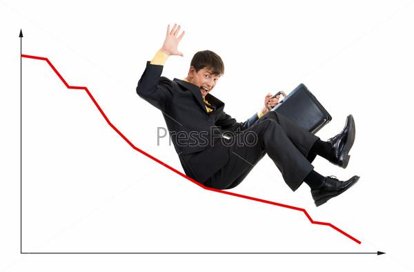 Деловой мужчина катится по направляющей графика держа в руках портфель