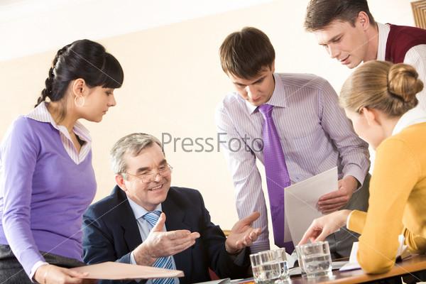 Коллеги на встрече в офисе