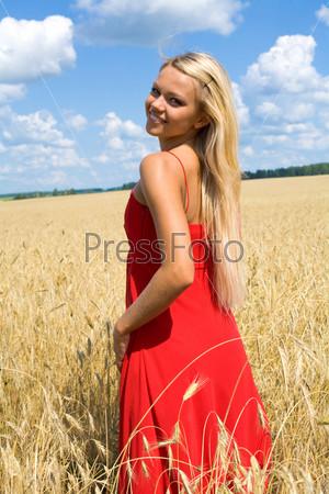 Симпатичная блондинка фото фото 456-538