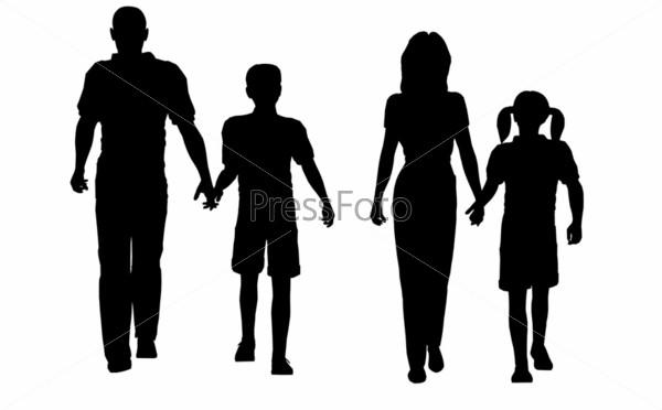 Силуэты семьи во время прогулки