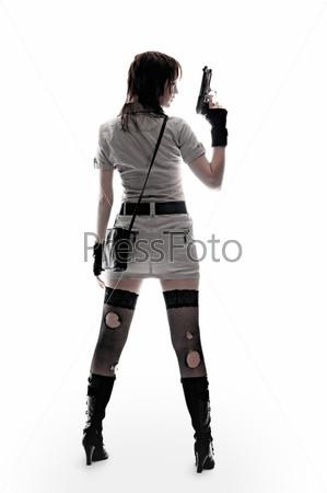 Девушка стоит спиной фото