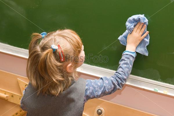 Родители учеников дают письменное согласие на мытье ими доски