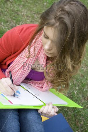 Студентка на природе