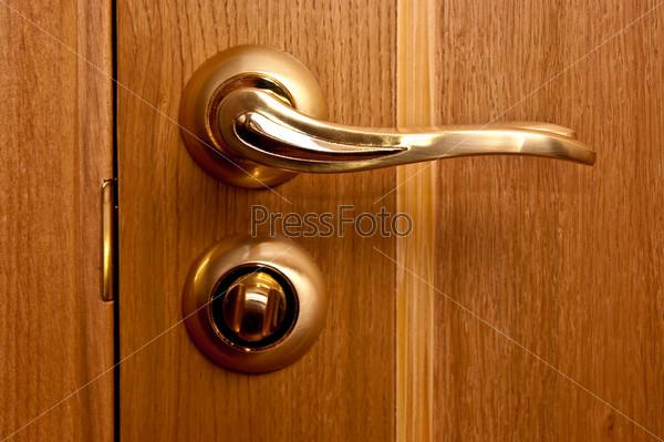 handle and door