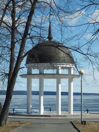 Rotunda on coast of lake