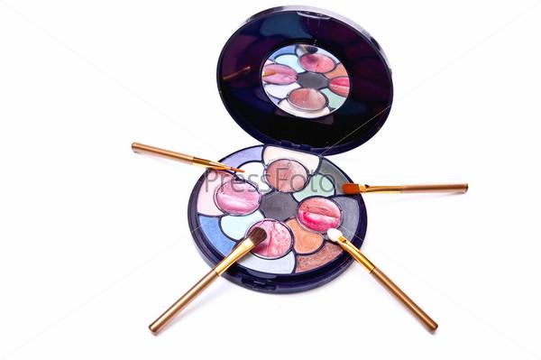 Brushes and eyeshadows
