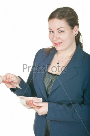 Портрет женщины с деньгами в руках на белом фоне