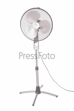 Вентилятор на белом фоне