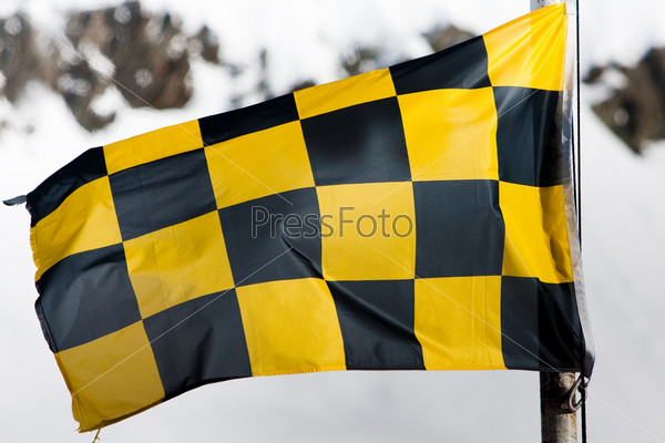 Черно-желтый Флаг Со Стрельцом