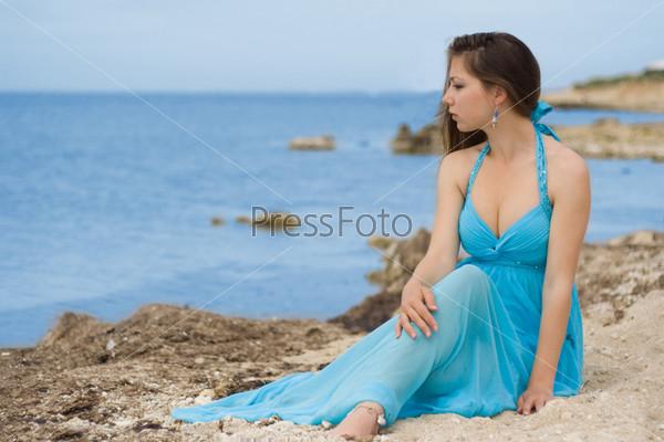 Фото девочки в голубум фото 716-437