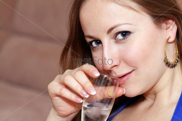 посторонних египтяне пьет сперму с бокала временем для широты