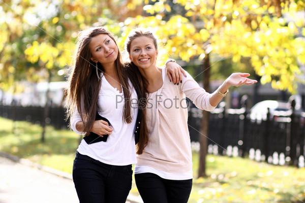красивая подружка сестры