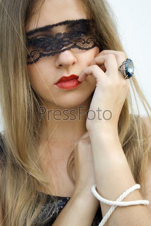Женщина с завязанными глазами фото фото 707-136