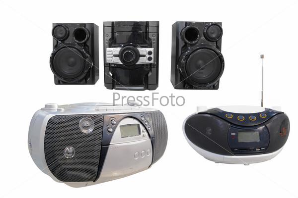 Фотография на тему Различные магнитофоны на белом фоне