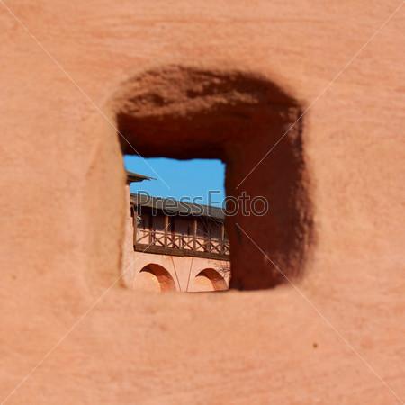 сталкрафт дырка в стене