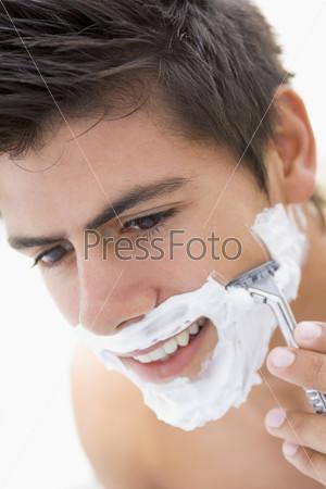 Парень бреет парня онлайн жена другом