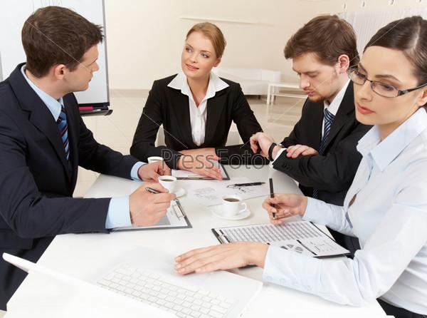 скачать деловые люди через торрент - фото 4