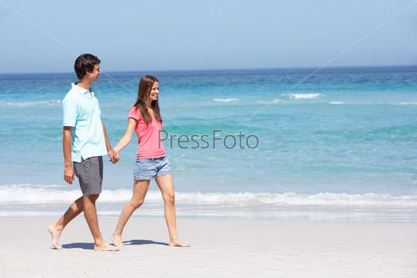 Фото семейной пары на пляже фото 383-991