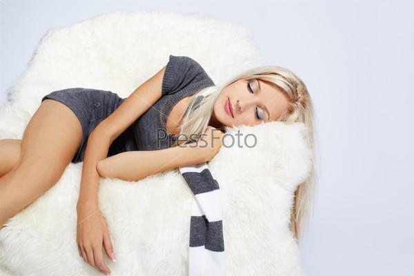 Блондинки спят фото фото 533-88