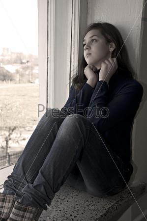 печальная девушка картинка