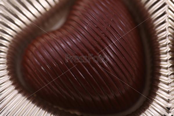 Шоколадная конфета в форме сердца