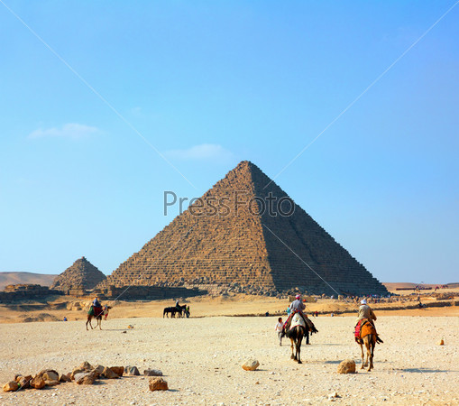 egypt pyramids in Giza