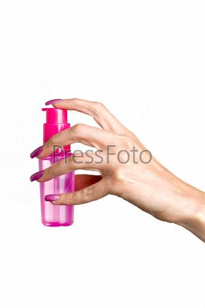 Спрей в руке на белом фоне