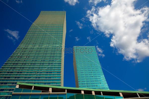 Wavy skyscaper