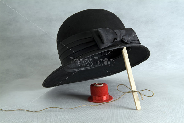 Большая и маленькая шляпки