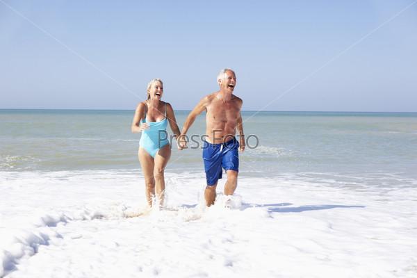 Фото семейной пары на пляже фото 383-848