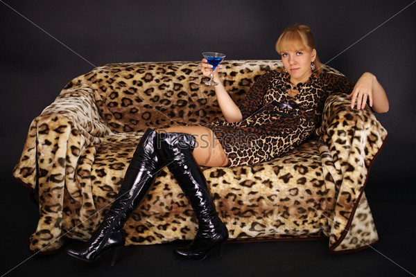 Девушка в леопардовом фото 678-186