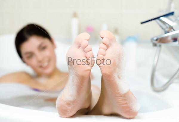 Видео девушек в пенной ванне фото 313-215