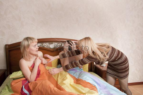 Жена застала мужа с любовницей фото 226-222
