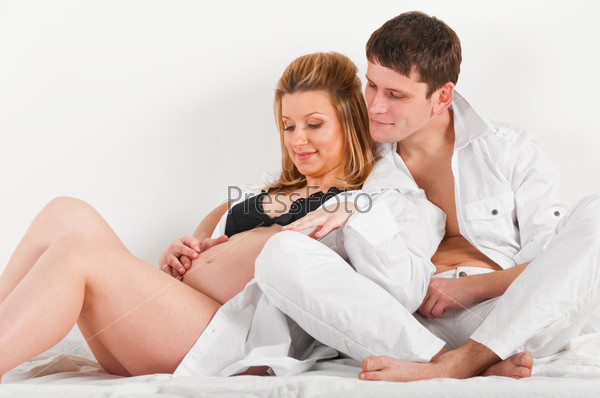pregnant wife and husband naked picture