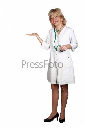У женщин врачей под халатами