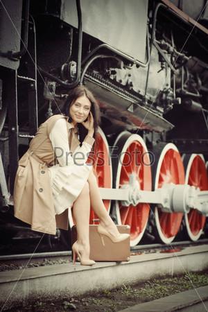 девушка и парень фото у поезда