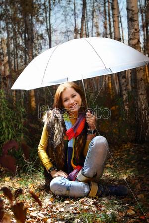 Картинки девушка с зонтиком в осеннем парке