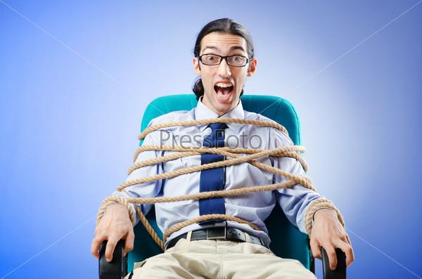 нее длинные фото привязанных парней к креслу гемангиома расположена лице