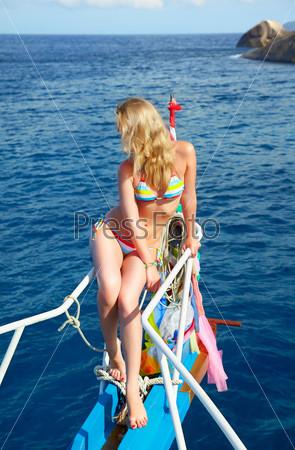 Красивые блондинки на яхте фото 330-51