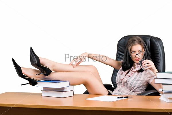 Девушки на столе у боса