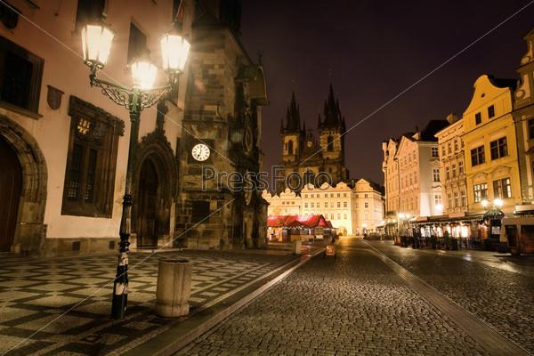 Староместская площадь в Праге ночью