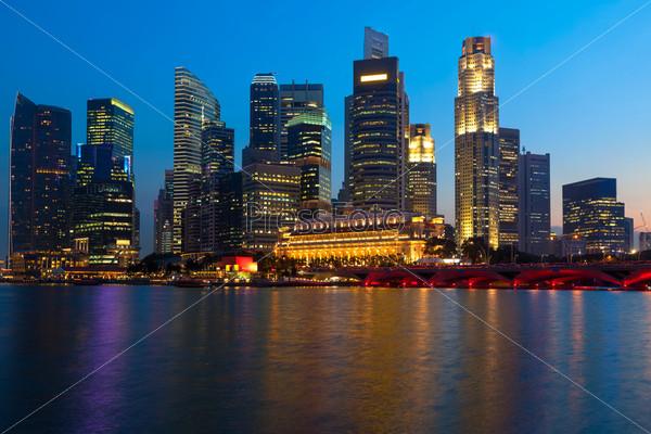 Небоскребы в Марина Бей вечером, Сингапур