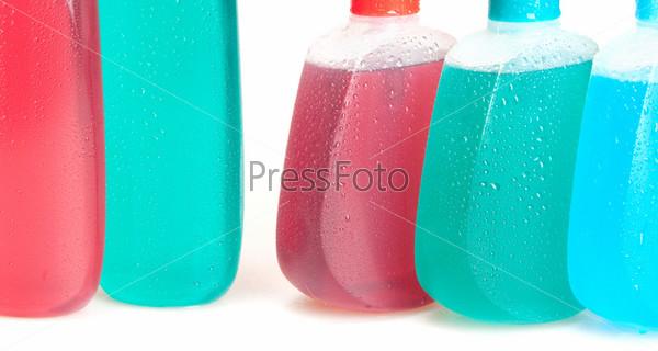 Бутыльки жидкого мыла, геля или шампуня