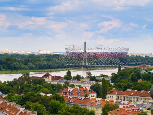 Панорама из Варшавы, Польша. На переднем плане Национальный стадион и район Стредместье