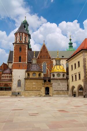 Фотография на тему Собор Вавель, часть Вавельского замка в Кракове, Польша